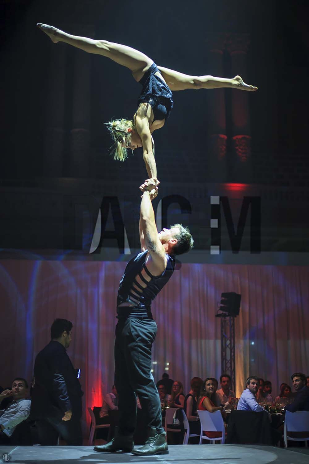 Circus performances for events and parties - Dancem Events