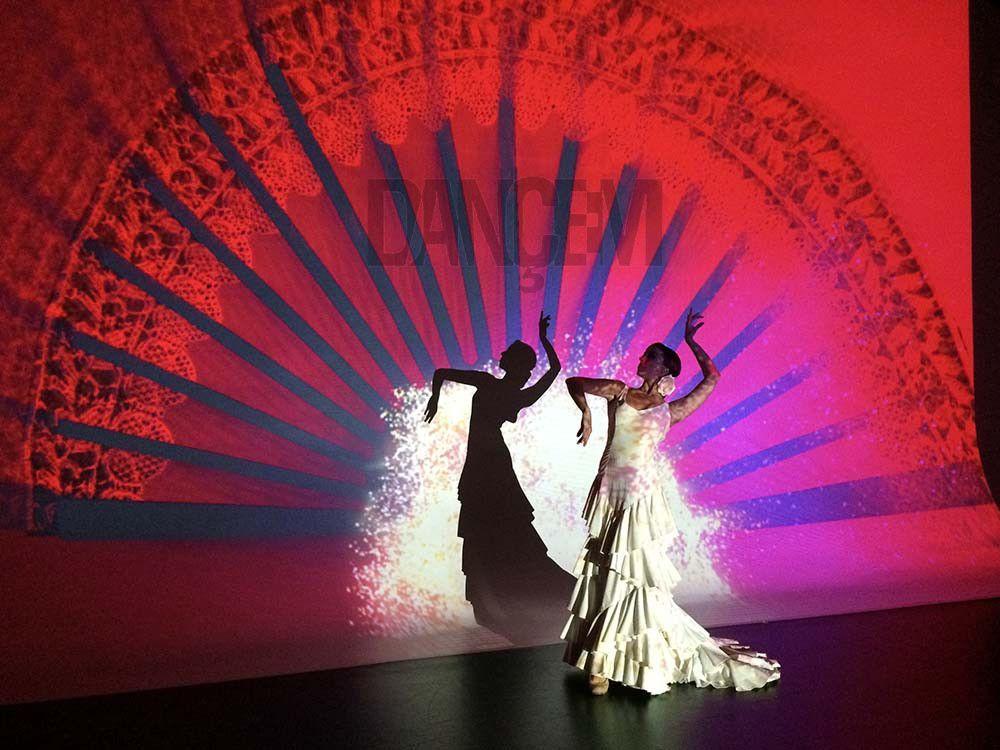 Performances visuales, impacto, mapping, espectáculos futuristas - Dancem Espectáculos