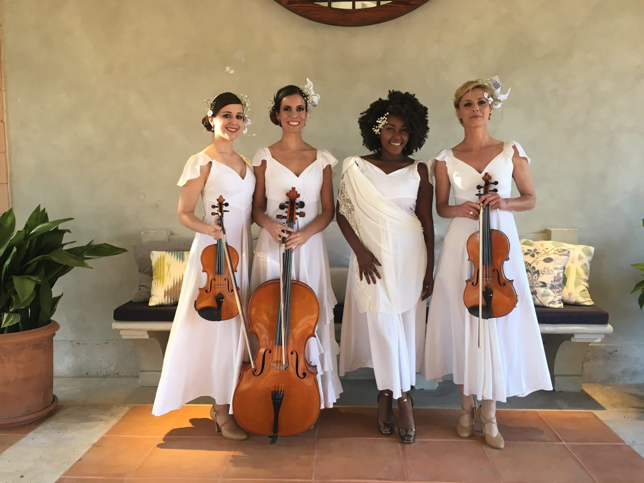 Trio de cuerda con cantante
