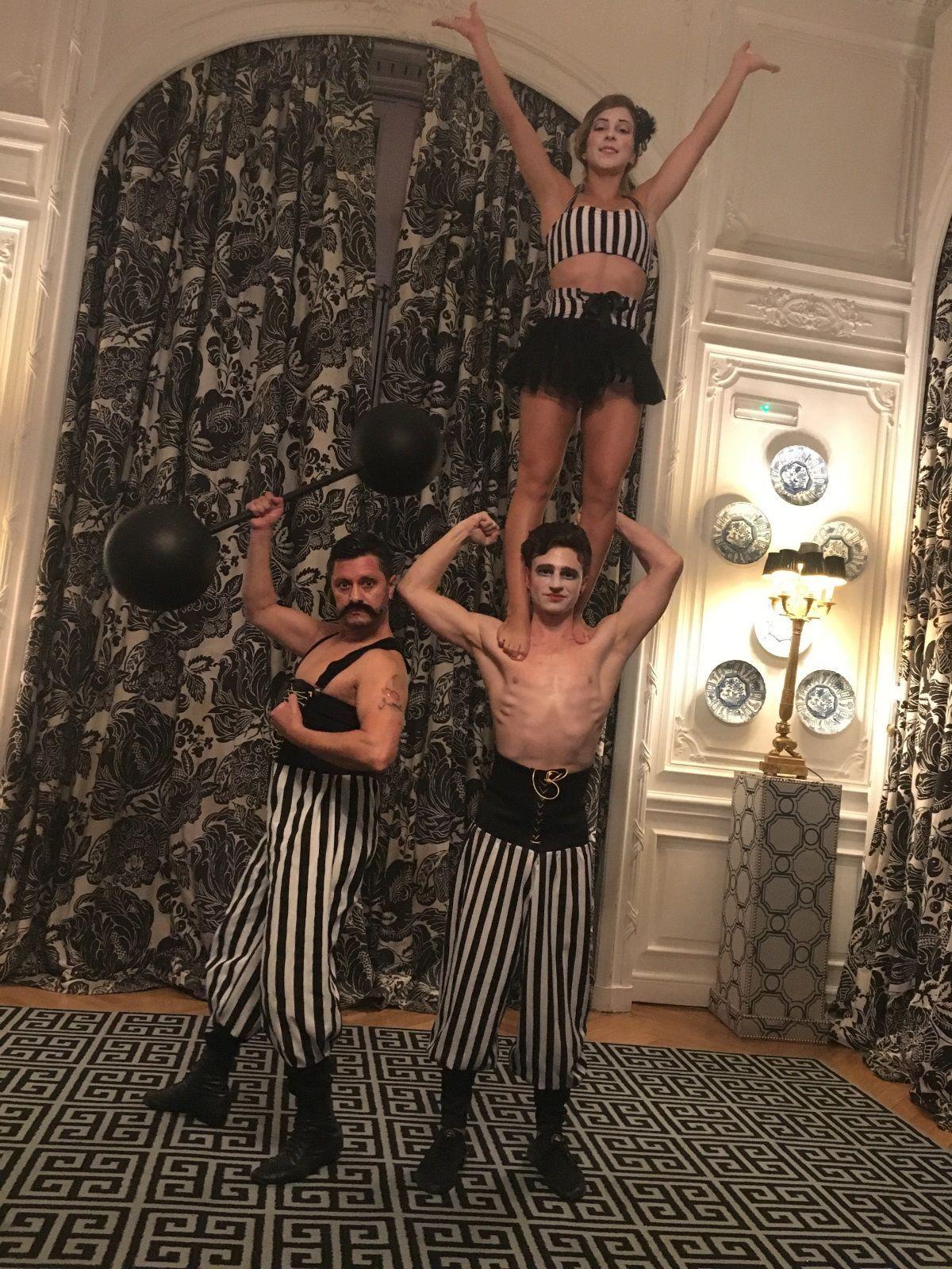 Espectaculos de circo - Forzudo y acróbatas