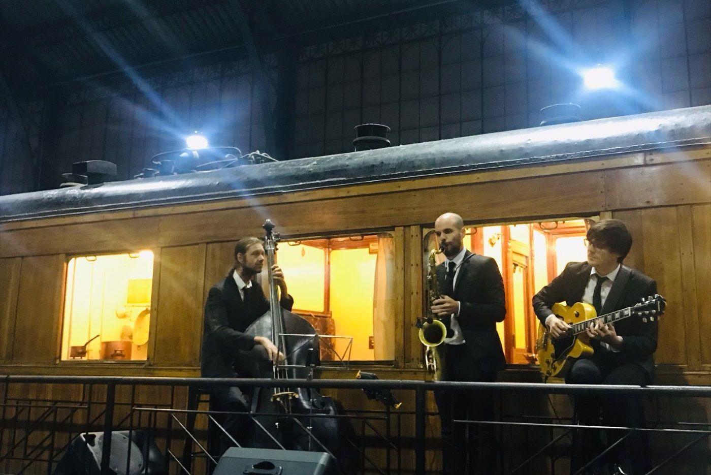 Dancem Espectáculos y su trío de jazz en el Museo de Ferrocarril de Madrid