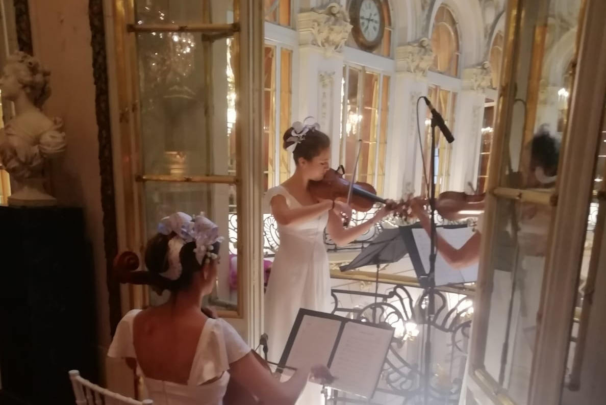 Dancem con su trio de cuerda en la boda de Paco Roncero